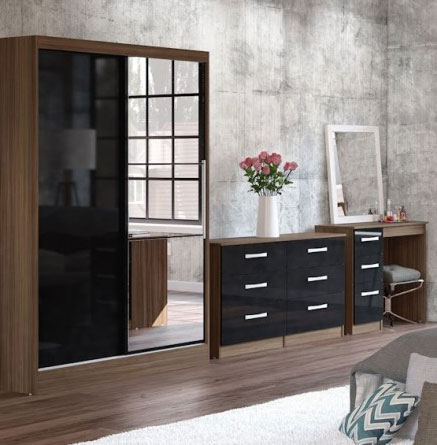 Links Walnut And Black High Gloss Bedroom Furniture.£89-£399.
